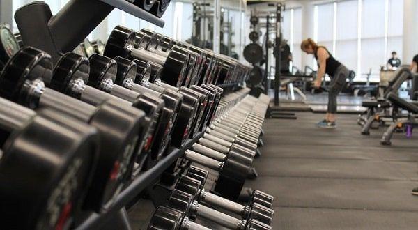Suelo de goma gimnasio pesas